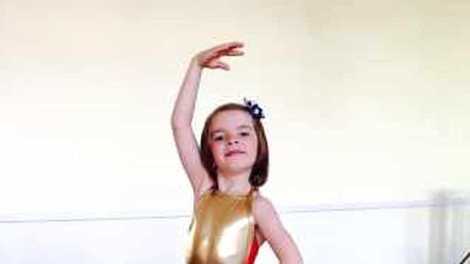 O balerină în vârstă de 9 ani i-a cucerit pe maeștrii teatrului Bolșoi. Cristina Vieru este considerată deja un mare talent