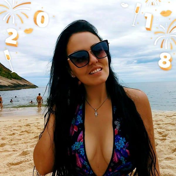 Jessica Valitutto le împărtășește celor 800.000 fani de pe Instagram imagini cu noua ei silueta
