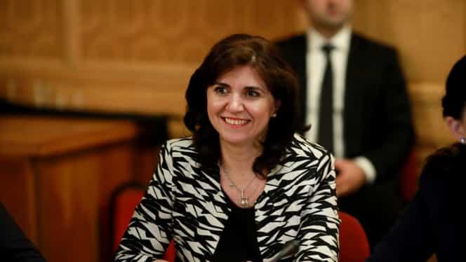 Cine e Adrian Anisie, soţul ministrului propus la Educaţie, Monica Anisie. A lucrat director în DNA-ul din MAI
