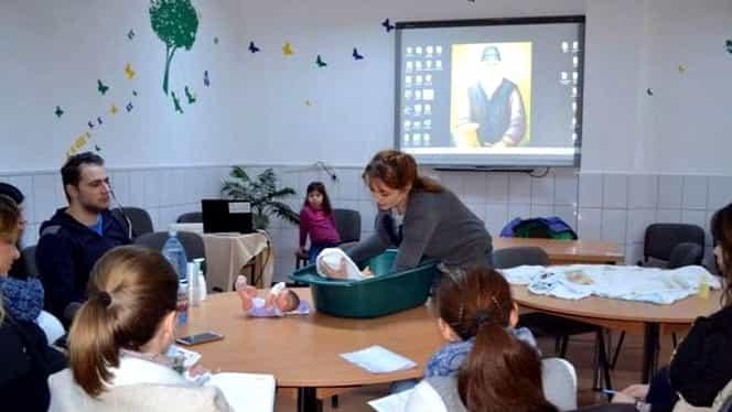 Cursuri obligatorii pentru părinți, la nașterea bebelușilor! Mamele nu se vor putea externa fără ele
