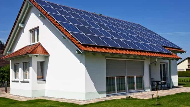 Ce sunt panourile fotovoltaice și cum se pot pune pe case! Românii pot beneficia de 20.000 de lei dacă trec la energia verde