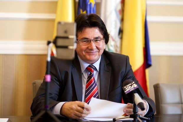 Probleme pentru Nicolae Robu! Primarul Timişoarei, trimis în judecată de DNA în dosarul caselor naționalizate