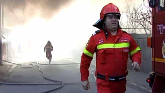 Trei răniţi în urma unui incendiu care a afectat două apartamente din Târgu Mureş! Mai mulţi locatari, evacuaţi