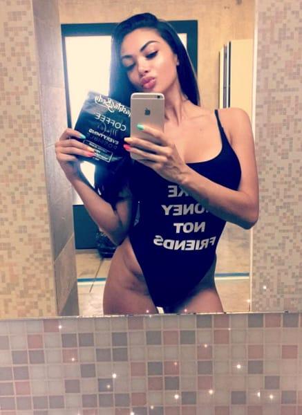 Elena Preda, soția lui Sonny Flame, poze sexy! Bruneta te lasă fără respirație!