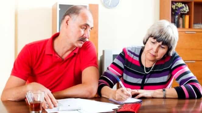 Proiect de lege: Tichete de călătorie neutilizate de pensionari, transformate în bonuri de masă