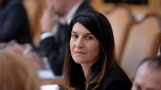 """Acuzații grave la adresa Ministrului Muncii, Violeta Alexandru: """"Impune o adevărată Omerta – lege a tăcerii"""""""