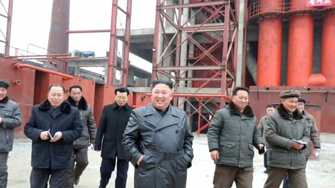 Kim Jong Un, prima apariție în public după aproape o lună! Liderul nord-coreean s-ar fi ascuns de teama coronavirus