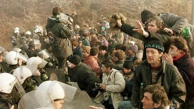 19 ianuarie, semnificaţii istorice. Minerii forţează barajul din Defileul Jiului şi intră în Târgu Jiu