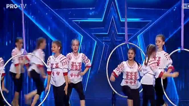 Românii au talent: Trupa Acrobatika a reinventat dansul folcloric – Video