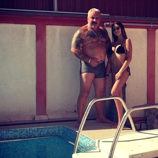 Cum a fost fotografiată fiica lui Sile Cămătaru, la piscină! E o frumusețe de fată, dar nimeni nu are curaj să se apropie de ea!
