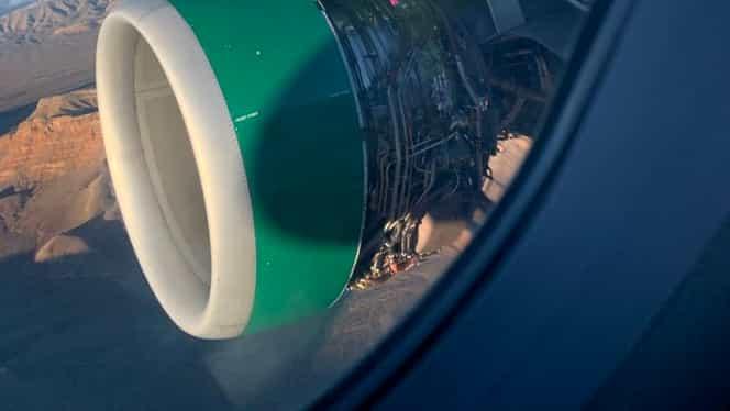 Motorul unui avion s-a dezintegrat în zbor! Clipe îngrozitoare pentru pasageri. VIDEO