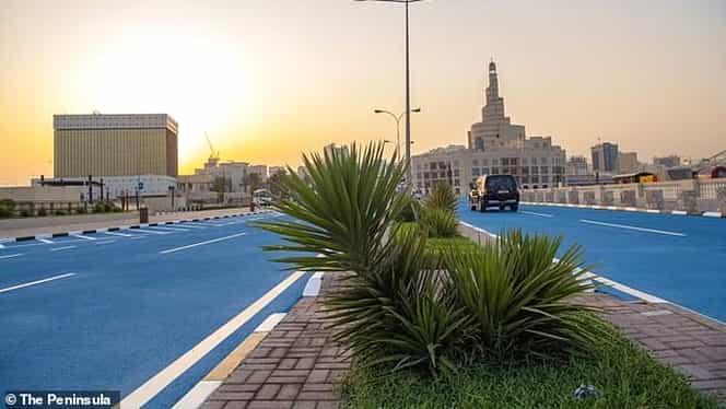Canicula face ravagii în Qatar! Aparate imense de aer condiționat și bulevarde vopsite în albastru în capitala Doha