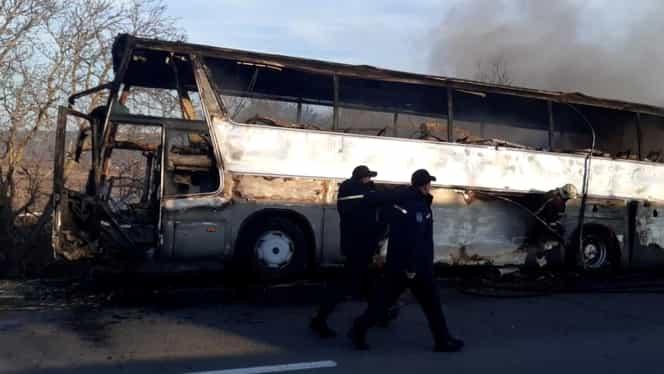 Un autocar cu copii a luat foc, în Moldova. 37 de minori și 3 adulți au scăpat nevătămați. VIDEO