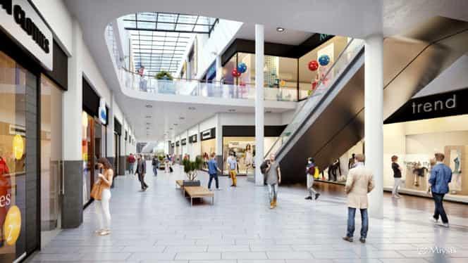 Tavan prăbușit într-un mall! O tânără a fost rănită!