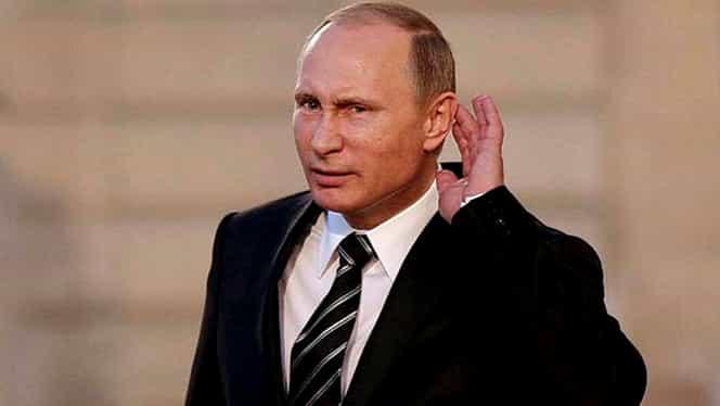 """Crimeea s-a transformat într-un altar uriaş închinat lui """"Putin eliberatorul"""": Ode, steaguri, mesaje de iubire şi pentru Trump"""