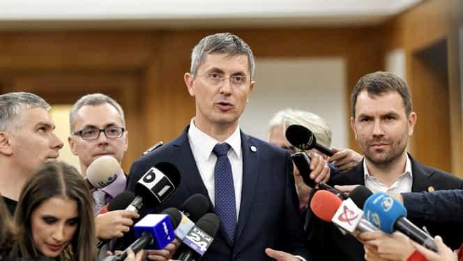 Conflict între Dan Barna și Rareș Bogdan pe tema alegerilor anticipate. Reproșurile aruncate de cei doi politicieni