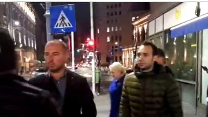 Viorica Dăncilă, primită cu proteste și claxoane pe Calea Victoriei. Video