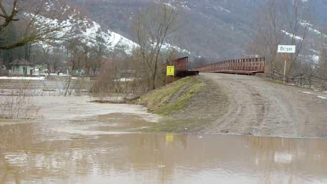 Weekend ploios. Cod galben de inundaţii pentru 15 judeţe