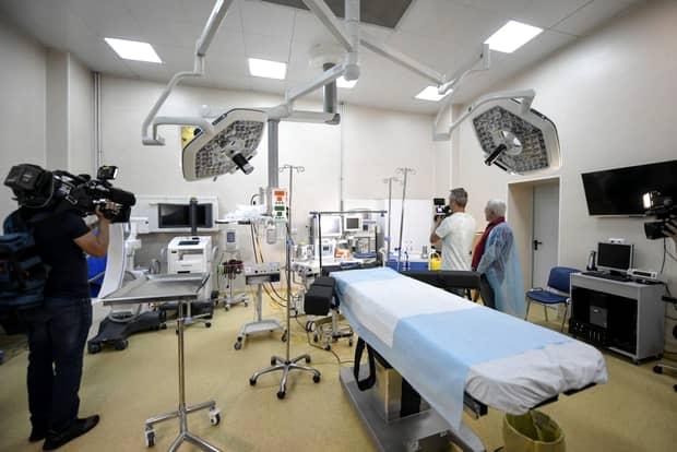 Plângere penală în cazul femeii arse pe masa de operaţie! Stare critică pentru pacientă
