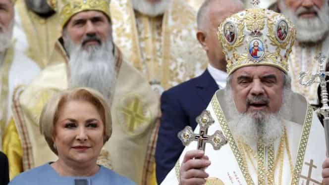 Viorica Dăncilă, la sfințirea Catedralei Mântuirii Neamului. Cum s-a îmbrăcat premierul României