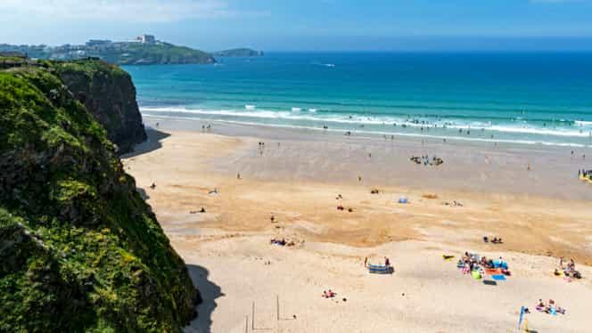 Un bărbat a murit în timp ce se afla pe plajă. Turiștii de lângă el au surprins tot ce s-a întâmplat