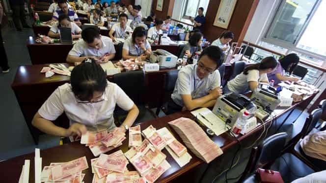 Lupta împotriva noului coronavirus ajunge la un alt nivel. Banca centrală din China anunță că va începe să spele banii, la propriu