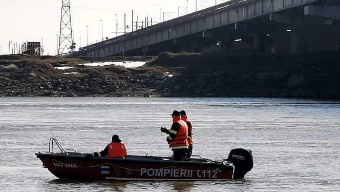 O femeie a murit după ce s-a aruncat în Dunăre. A fost scoasă din apă, dar a făcut stop cardio-respirator