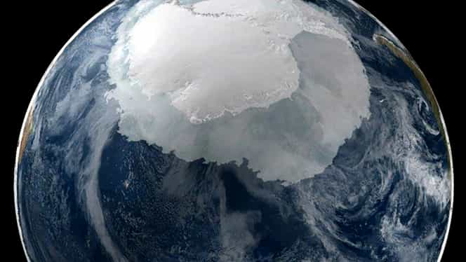 Obiect gigantic sub gheaţa din Antarctica. Unii spun că este asteroidul care a distrus dinozaurii