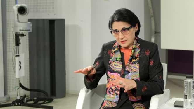 Ecaterina Andronescu, despre fondul clasei: E ilegal! Profesorii să nu se amestece!