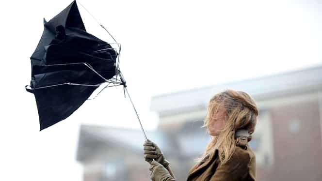 Atenţionare de la meteorologi. Cod galben de vânt puternic în mai multe judeţe din ţară