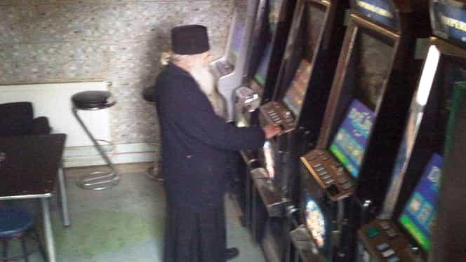Un preot a jucat 500 de mii de euro la păcănele! Ce l-au obligat șefii săi să facă!