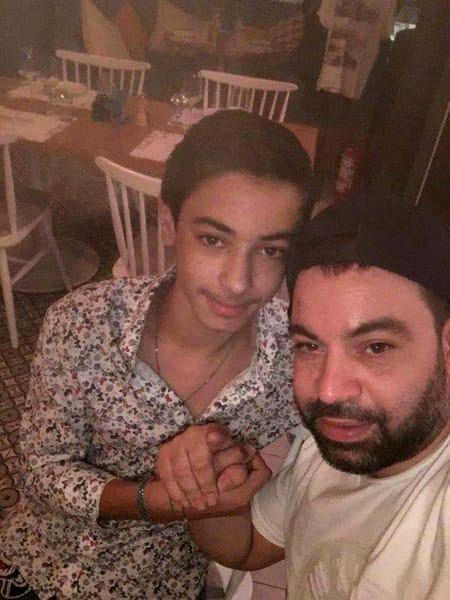 Drama din familia lui Forin Salam. Băiatul manelistului a moştenit boala care a ucis-o pe mama lui, Fănica