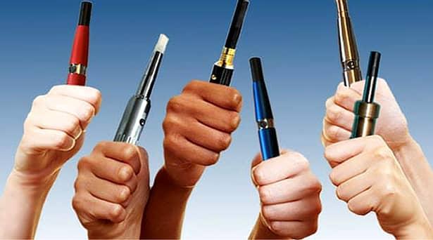 Vaporii țigărilor electronice transmit coronavirusul! Țigara electronică