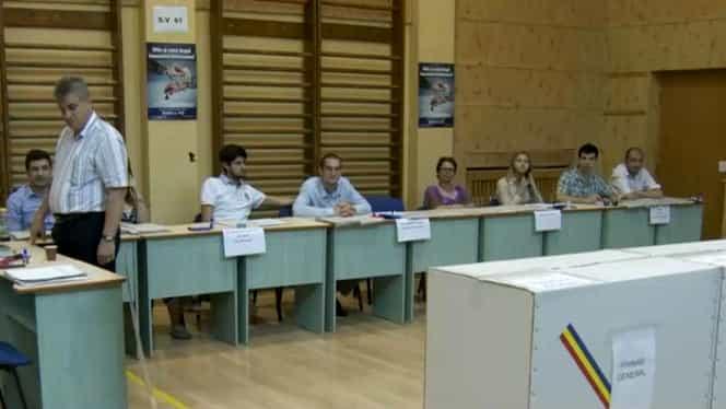 Situație inedită în secțiile de votare din Cluj. Membrii comisiilor au primit bomboane anti-stres