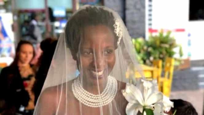 O femeie s-a căsătorit cu ea însăși!