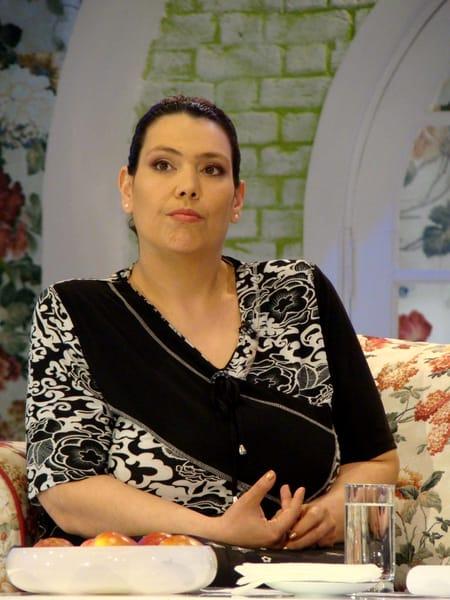 Ioana Tufaru a rămas singură pe lume, după ce mama ei, cunoscuta şi respectata actriţă Anda Călugăreanu a murit. După ani întregi, Ioana a fost găsită şi invitată la diferite emisiuni TV, iar la un moment dat a împărtăşit şi marea veste: este însărcinată!