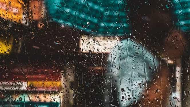 Alertă meteo! Meteorologii anunță ploi și furtuni în toată regiunile țării până marți seara