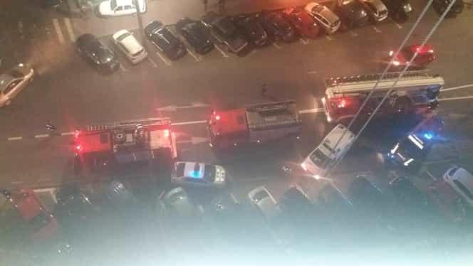 Incendiu la un bloc de pe strada Dristor, intersecție cu Camil Ressu, în București. Clădirea, în reabilitare