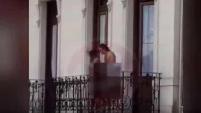 Imagini şocante surprinse ziua în Capitală! Au făcut sex pe balcon în văzul tuturor!