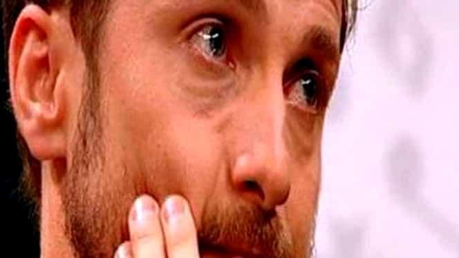 Situaţie neprevăzută! Dani Oţil a izbucnit în lacrimi, pe scenă, în timp ce vorbea despre femeia pe care o iubeşte!