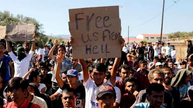 Incidente violente pe insula Lesbos din Grecia! Forțele antirevoltă au folosit gaze lacrimogene împotriva migranților