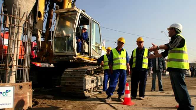"""Aproape 430 de mii de muncitori din construcții, cu salariul mărit dar """"arși"""" la pensie, în urma prevederilor OUG 114"""
