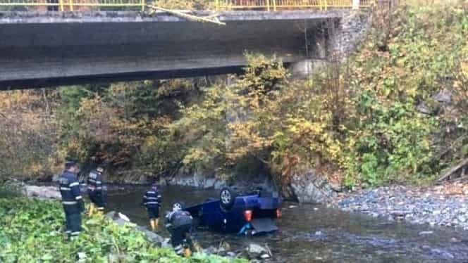 Accident grav pe Transfăgărășan. Tânăra care a plonjat într-un pârâu a murit azi