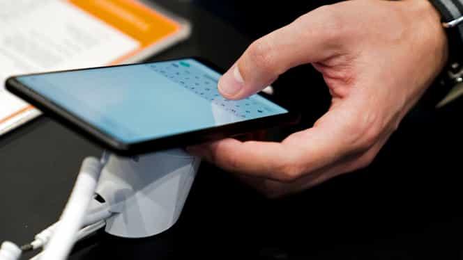 Alertă prin SMS în cazul copiilor daţi dispăruţi. Populaţia va primi mesaje din partea Poliţiei