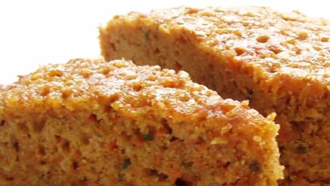 Rețeta zilei. Prăjitură cu morcovi și stafide, un răsfăț dulce ideal pentru cei care țin post