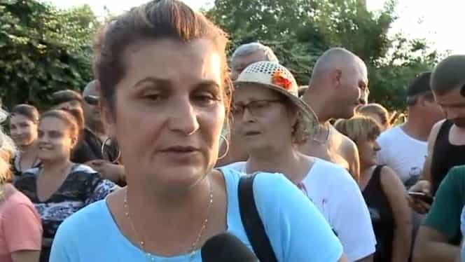 Mama Luizei Melencu face greva foamei! Protest în faţa DIICOT