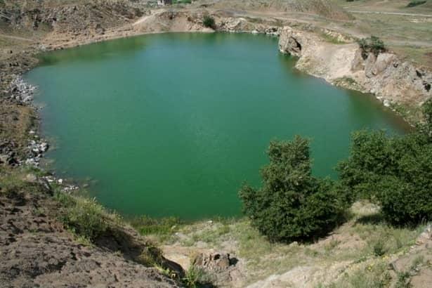 FOTO / Lacul Iacobdeal, UNIC în România! Ce îl deosebeşte de celelalte