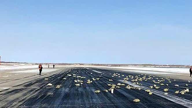 Video! Un avion plin cu aur, platină şi diamante a pierdut marfa, la decolare!