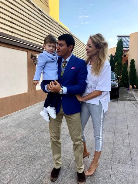 Cristi Borcea și Valentina Pelinel se căsătoresc. Ei au împreună un copil și îl așteaptă acum și pe al doilea