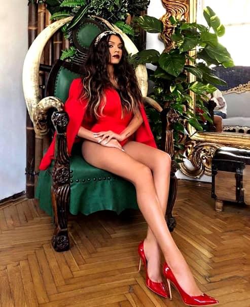 Carmen Simionescu, primele imagini după ce s-a aflat că e însărcinată! Cum arată, de fapt, fata lui Adi Minune